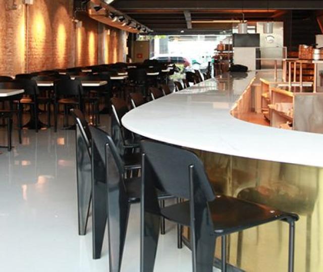 Restaurante do jurado do MasterChef Brasil, Henrique Fogaça, confia nos revestimentos Miaki